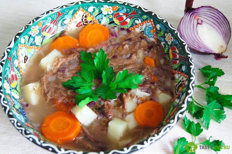Суп из бычьего хвоста с сельдереем