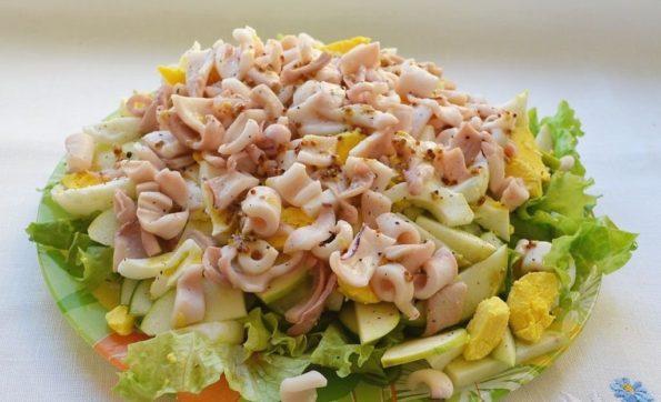 Постный салатик из кальмаров «Океан»