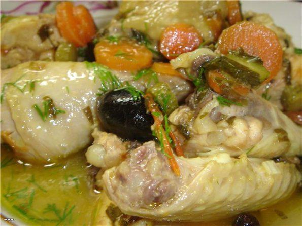 Тушеная курица с креветками по-бразильски
