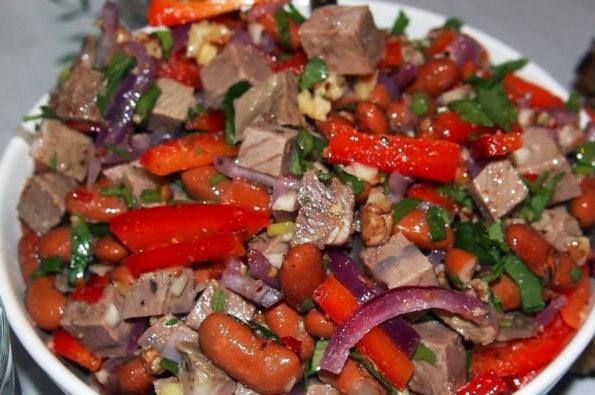 Рецепт приготовления салата из свинины с фасолью