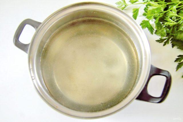 Суп с курицей, рисом и плавленым сыром