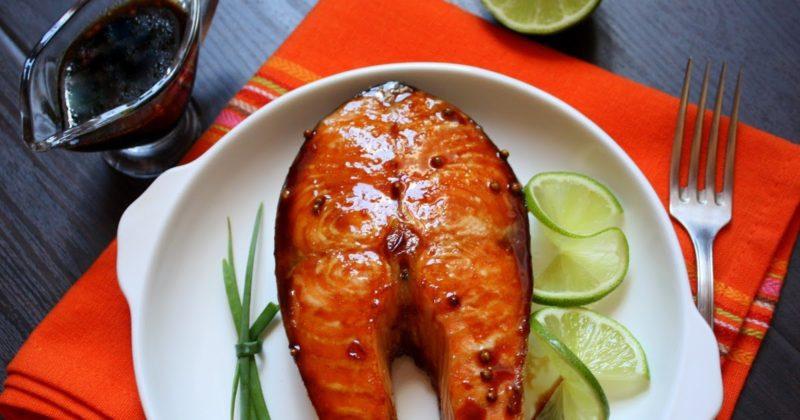Запеченный лосось в цитрусовой глазури
