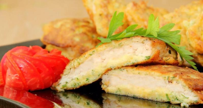 Куриные отбивные с сыром и зеленью