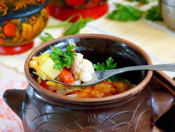 Жаркое в горшочках - классический рецепт