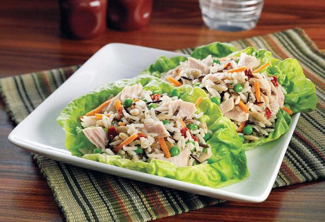 Салат из тунца с рисом